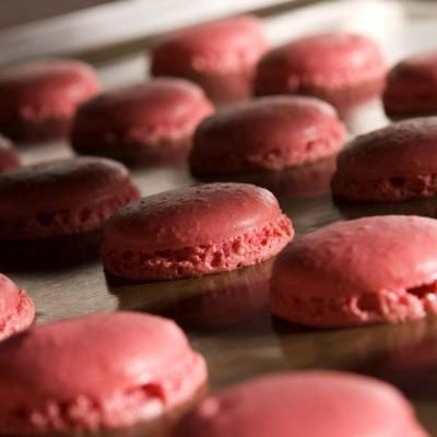 ETABLISSEMENT BRUNO LE DERF Chocolatier Rennes Pyramide Macarons2
